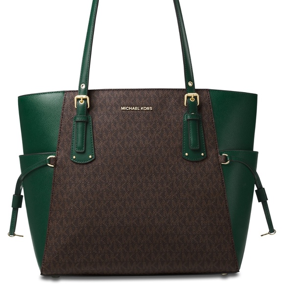cc44738cad NWT MICHAEL KORS Voyager East West Signature Tote
